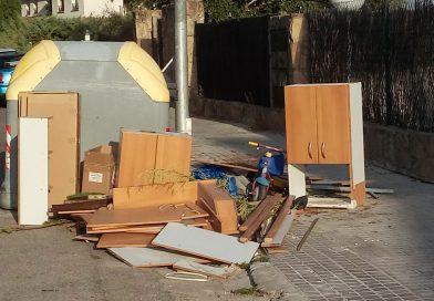 Respuesta recogida escombros por el Ayto. de V. de Odón