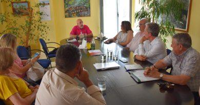 reunión alcalde de villaviciosa de odón con la junta de gobierno de la urbanización El Bosque